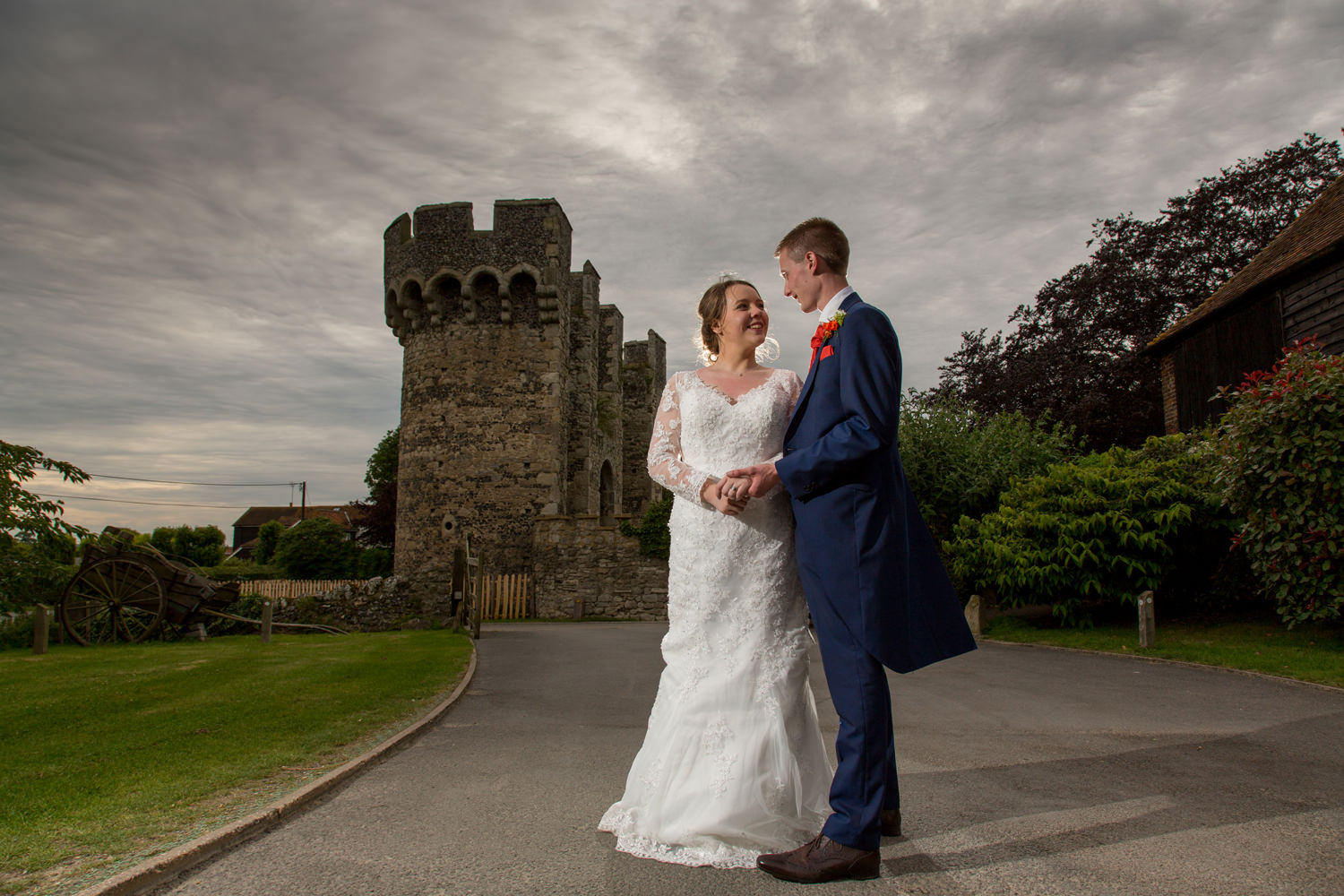Cooling Castle Barns Kent Wedding Photographer